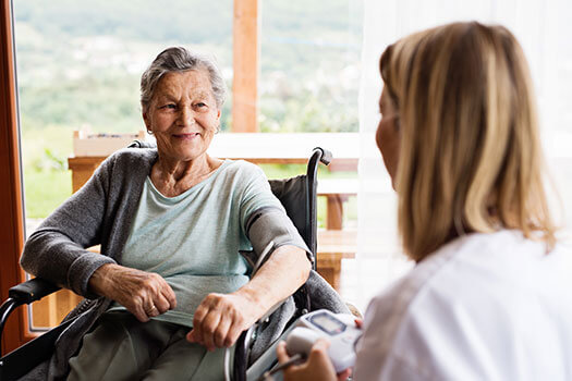 7 Great Benefits of Live-In Home Care for Seniors in Winnipeg, MB
