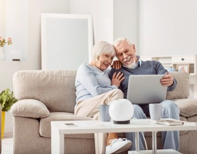 How to Use Social Media Safely in the Senior Years in Winnipeg, MB