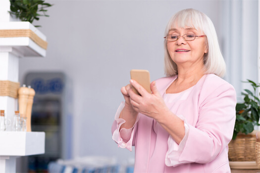 7 Awesome Apps for the Elderly in Winnipeg, Manitoba